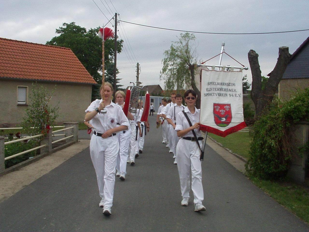2001 -3.jpg