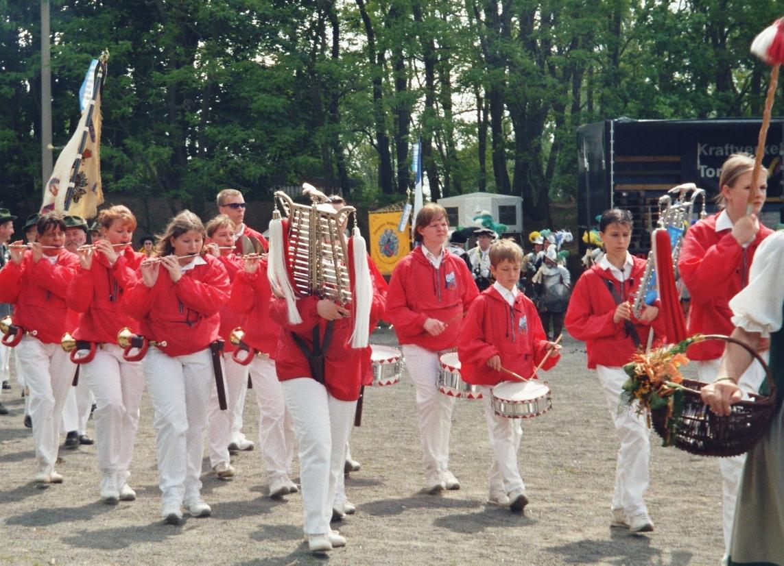 2004 - 2.jpg